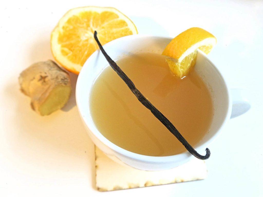 Weißer Vanille-Orangen-Glühwein