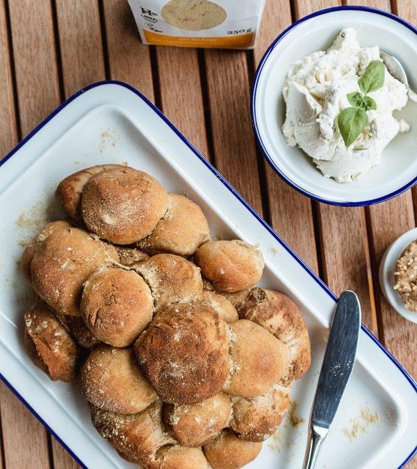 Das perfekte Brot zum Grillen: Herzhaftes Monkey Bread mit würziger Senfnote