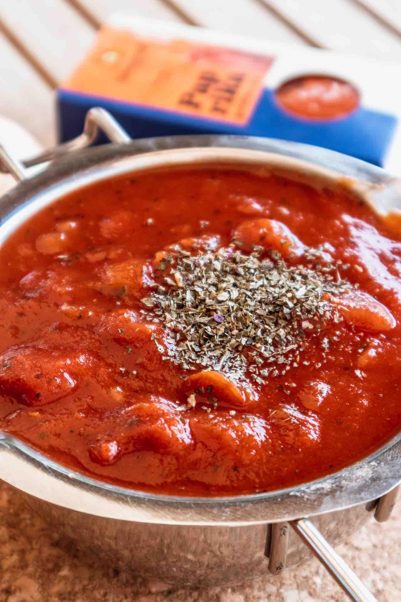 Tomatensoße neu verfeinert – Kochen mit Vorräten