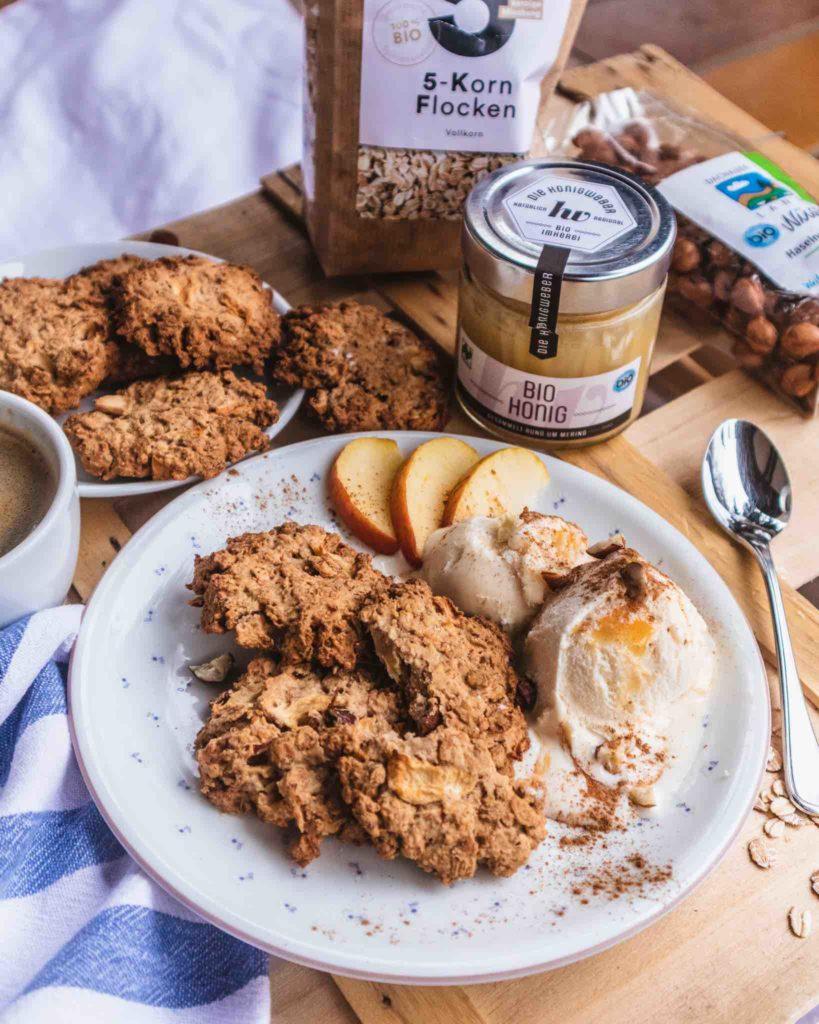 Gesunde Kekse mit Apfel